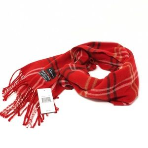 Red scarf 🧣